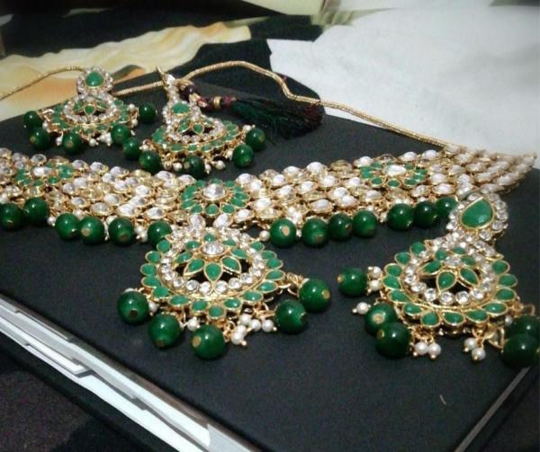 Choker Necklace Set Green